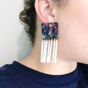 CLOSET REHAB Jewelry - Square Earrings in Berry Mix with White Fringe